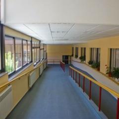 8 pasillo hacia jardin interior
